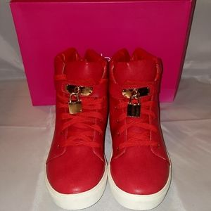 Shoedazzle Red locket sneaker